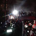 Durante la notte del 19 settembre si lavora per liberare le persone intrappolate nella fabbrica crollata. Quartiere Obrera